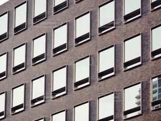 背の高い建物の写真・画像素材[1935623]