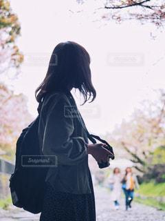 カメラ女子の写真・画像素材[2030395]