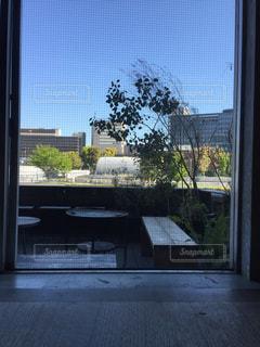 カフェからの窓の写真・画像素材[2045566]