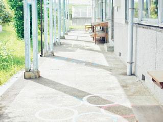 学校の外廊下の写真・画像素材[2116681]