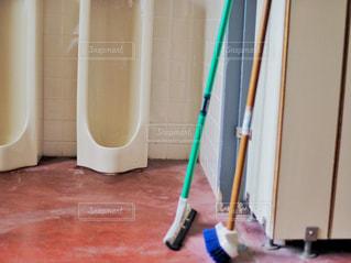 男子トイレの写真・画像素材[2116747]