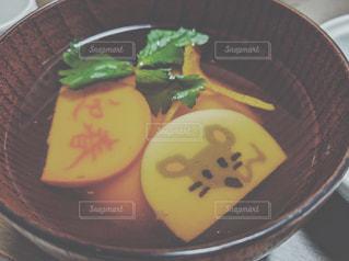 皿の上お雑煮の写真・画像素材[2855007]