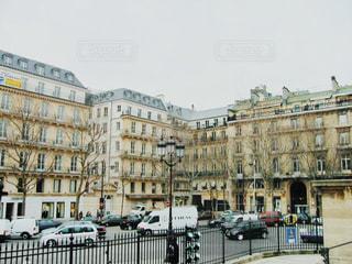 都会の高い建物たぶんパリの写真・画像素材[2868236]