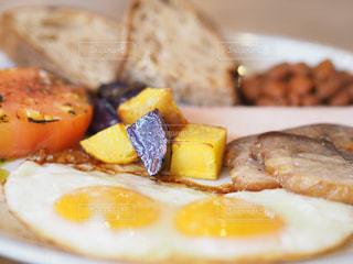 朝食のプレートの写真・画像素材[3419092]