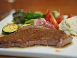 食べ物の皿のクローズアップの写真・画像素材[3534650]