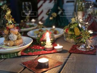 屋外でのクリスマスパーティーの写真・画像素材[931582]