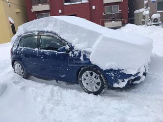 雪に覆われた青ゴルフの写真・画像素材[929265]