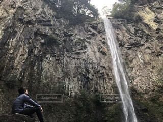 滝に恋した男 - No.1060530