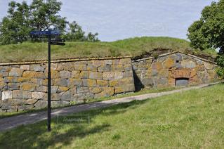近くの岩の壁をの写真・画像素材[1011434]