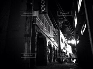 夜の街並みの写真・画像素材[930602]
