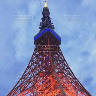雲の日の東京タワーの写真・画像素材[931101]