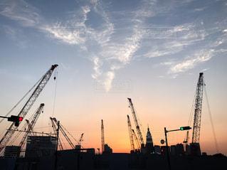 夕暮れの建設現場の写真・画像素材[934568]