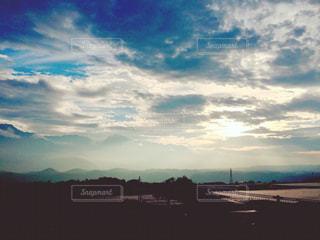山と空と光の写真・画像素材[944201]