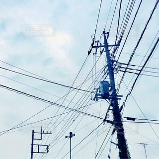 電線電柱と空の写真・画像素材[945441]