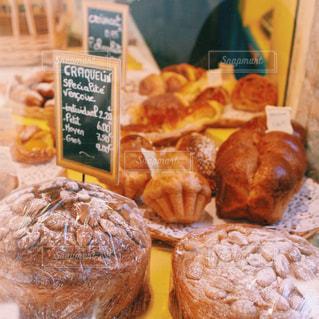 フランスのパン屋さんの写真・画像素材[947184]