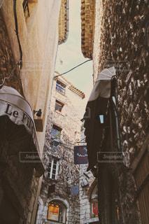 フランスの小さな街の写真・画像素材[947204]