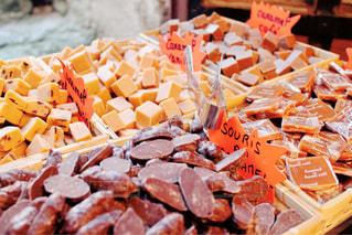 フランスの小さなお菓子屋さんの写真・画像素材[951571]
