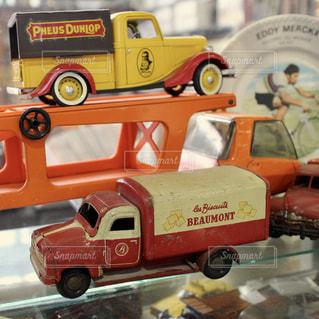 古い車のおもちゃの写真・画像素材[954517]