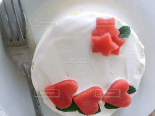皿の上のケーキの一部の写真・画像素材[1005618]