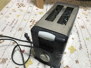 昔の家庭でよく、使われたポップアップトースターの写真・画像素材[2172618]