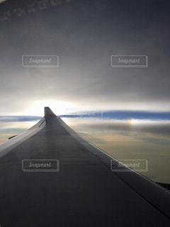 近くに空には雲の上の写真・画像素材[1010251]
