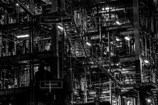 工場の中の階段の写真・画像素材[936970]