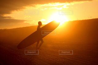 力強い太陽の写真・画像素材[1579056]