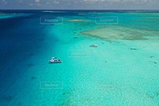 守られてるからこそ、綺麗な海がある。の写真・画像素材[2354030]