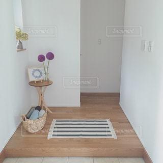 シンプルな玄関の写真・画像素材[962503]