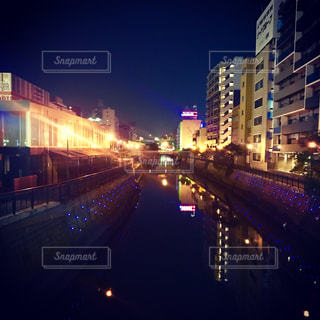 夜の街の景色 - No.936074