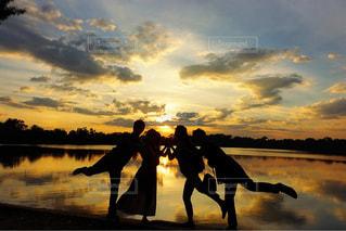 カンボジアの夕陽の写真・画像素材[936754]