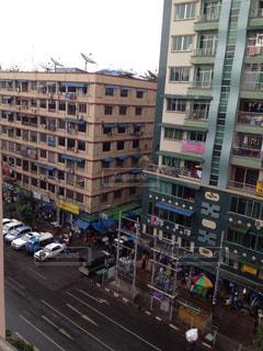 発展するヤンゴンの街の写真・画像素材[941943]