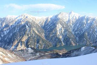 雪の覆われた山々 の景色の写真・画像素材[936650]