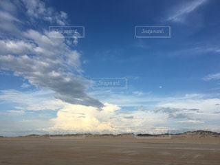 青い空、白い雲の写真・画像素材[937801]