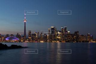 カナダ・トロントの夕景の写真・画像素材[2352856]