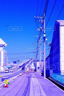 近くの通りのアップの写真・画像素材[938611]