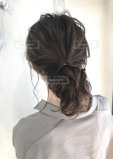 後ろ姿の女性の写真・画像素材[1263919]