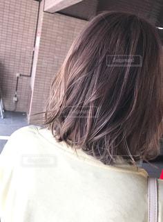 女性の後ろ姿の写真・画像素材[1265349]