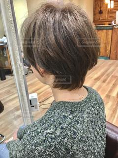 女性の後ろ姿の写真・画像素材[1509800]