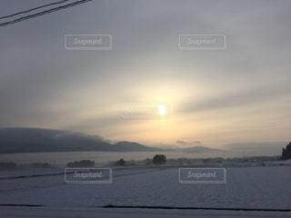 冬の朝焼けの写真・画像素材[939671]