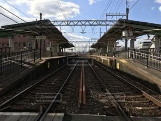 田舎の駅と線路の写真・画像素材[940647]