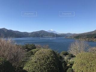 富士山と湖の写真・画像素材[2760221]