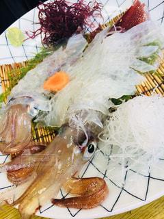 新鮮なイカの活き造りの写真・画像素材[941383]