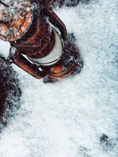 雪とランタンの写真・画像素材[958390]