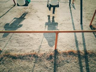 ブランコの2人の写真・画像素材[968092]
