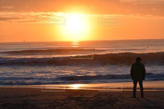 仙台の海で復興の初日の出の写真・画像素材[941727]