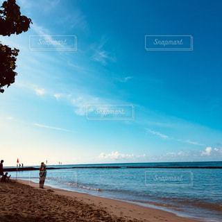 青い空と海とあなたとの写真・画像素材[944024]