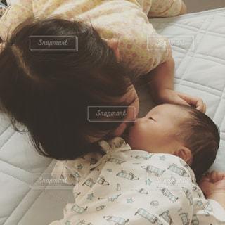 赤ちゃんの写真・画像素材[942801]
