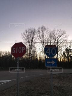 アメリカの交通標識の写真・画像素材[986916]