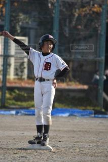 ヒットで出塁!の写真・画像素材[944090]